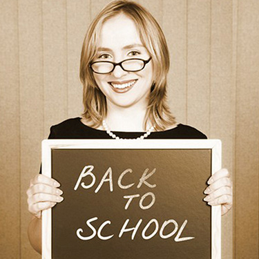 BACK TO SCHOOL TIPS FOR TEACHERS HOW TO WEAR PEARLS IN THE CLASSROOM