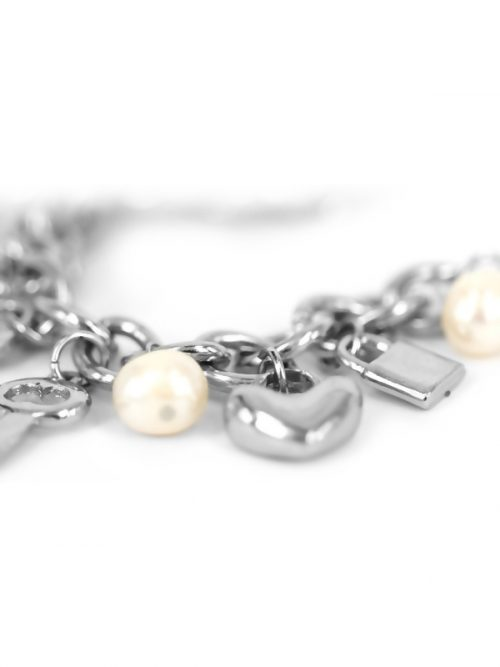 rose_atoll_white_charm_bracelet_close_up.600 (1)
