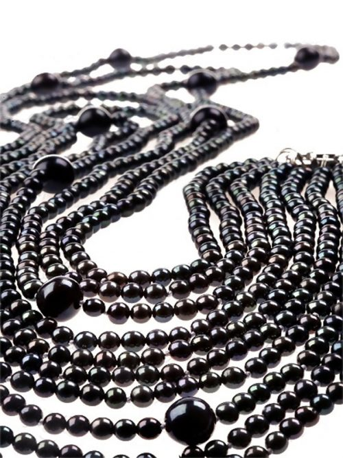5_Strand_Black_Gorgeous_Pearl_Necklace_with_13_11mm_Round_Pearls_on_Perspex.600