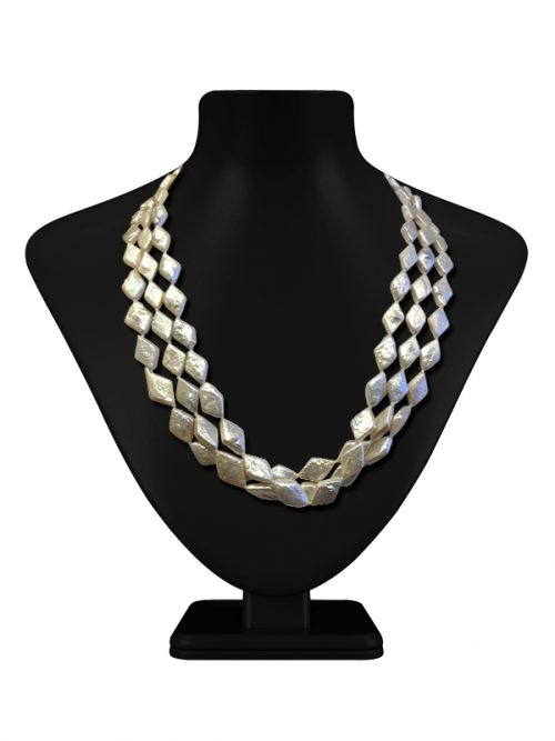 MAUNA LOA COLLECTION NAVAJO WHITE RHOMBOID TRIPLE STRAND PEARL NECKLACE
