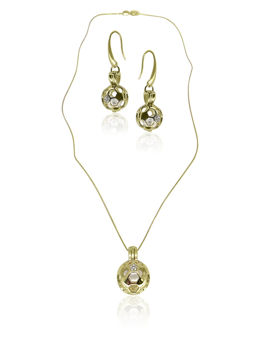 PACIFIC PEARLS BUA BAY COLLECTION Goal! 18K Yellow Gold Diamond Pavé Pearl Locket Pendant & Earrings