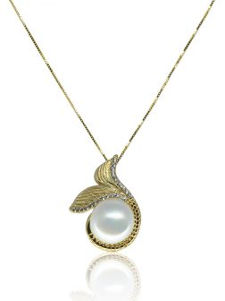 MERMAID BEACH COLLECTION Make Waves™ Diamond Pavé Yellow Gold Signature Pearl Pendant