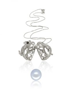 ROYAL FALLS COLLECTION En Mi Corazón 18K White Gold Diamond Pavé Pearl Locket Pendant