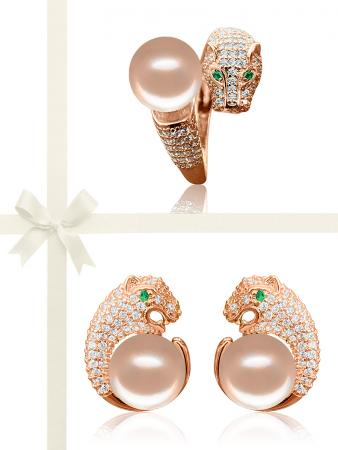 TARA ISLAND COLLECTION Wild Cougar Brilliant-Cut Diamond Encrusted Peach Pearl Ring & Earring Gift Set